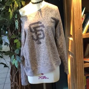 Sweaters - Sweatshirt